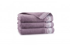 Ręcznik z bawełny egipskiej LAURA hiacynt ZWOLTEX